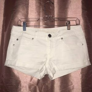 White American Eagle size 6 Shorts